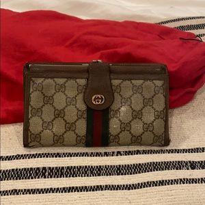 Vintage Gucci GG Supreme Wallet w/ Change